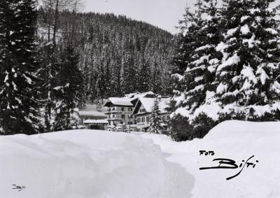 088 - piazza da vialetto Des Alpes