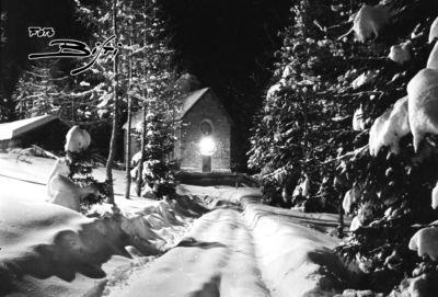 246 - chiesetta notturna